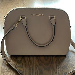 Michael Kors Dome purse great used condition